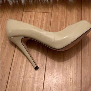 Dolce Vita Shoes - Dolce Vita nude pumps